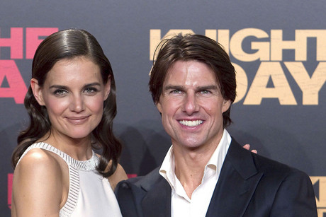 Cruise  Katie Holmes Problems on Katie Holmes And Tom Cruise  Aap