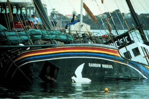 Rainbow Warrior bomber apologises